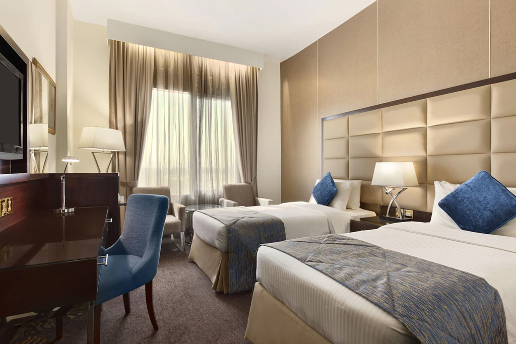 Deluxe Room at Howard Johnson Dubai