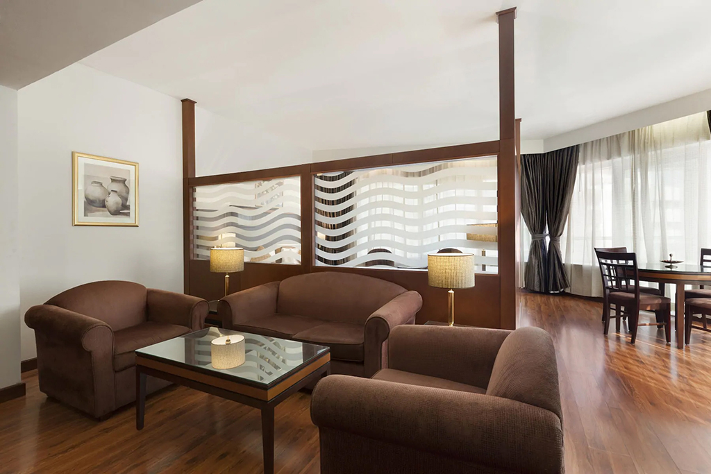 Executive Suite at Howard Johnson Bur Dubai